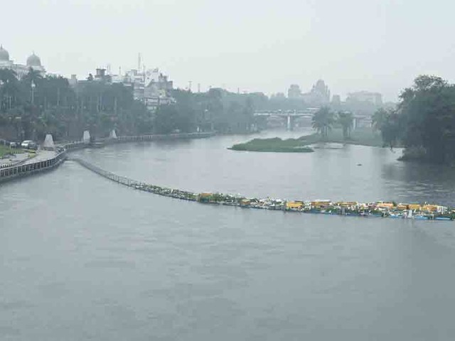Heavy downpour batters Hyderabad