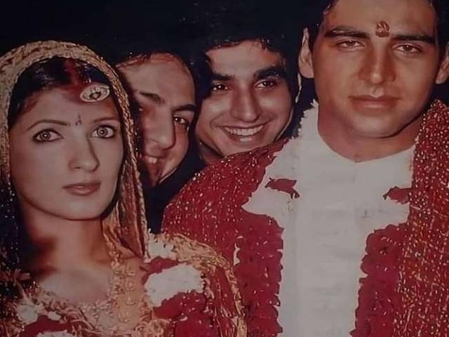 Akshay Kumar और ट्विंकल खन्ना की शादी की 20 वर्ष बाद तस्वीरें हुईं लीक, जमकर हो रही हैं वायरल