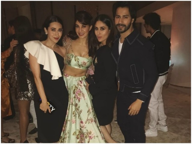 Jacqueline Fernandez-Varun Dhawan paused to pose with the Kapoor sisters
