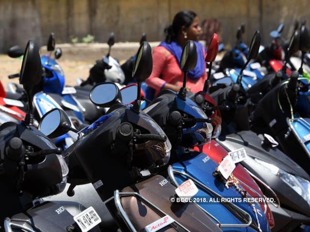 PM Narendra Modi launches subsidised 'Amma' two-wheeler scheme in Tamil Nadu