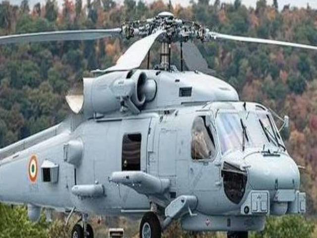 दुश्मनों को पस्त करेगा नौसेना का एमएच-60आर मल्टीरोल आल वेदर हेलीकाप्टर, जानें खूबियां