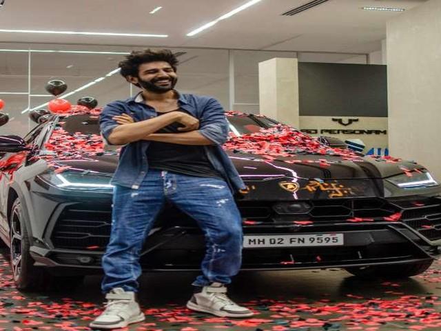 Kartik Aaryan ने खरीदी 4 करोड़ की नई कार, लिखा- 'मैं शायद महंगी चीजों के लिए बना ही नहीं हूं'