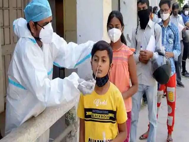 Corona Epidemic: कोरोना महामारी की दूसरी लहर पर लगा ब्रेक, बढ़ती गई जांच, घटता गया संक्रमण