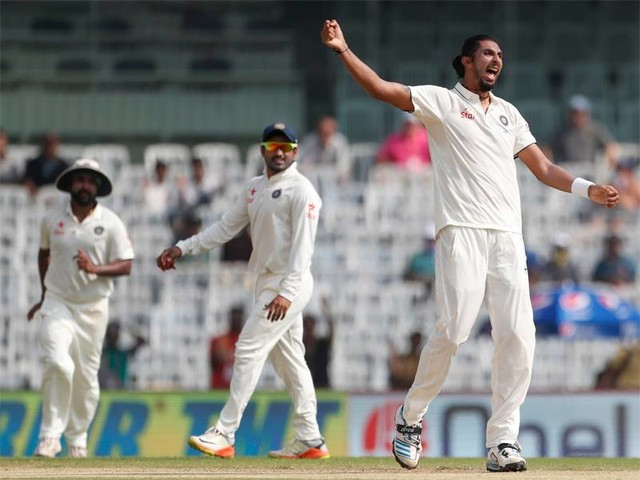 Day 2, Lunch: Ind take 3 in session; Eng 352/7