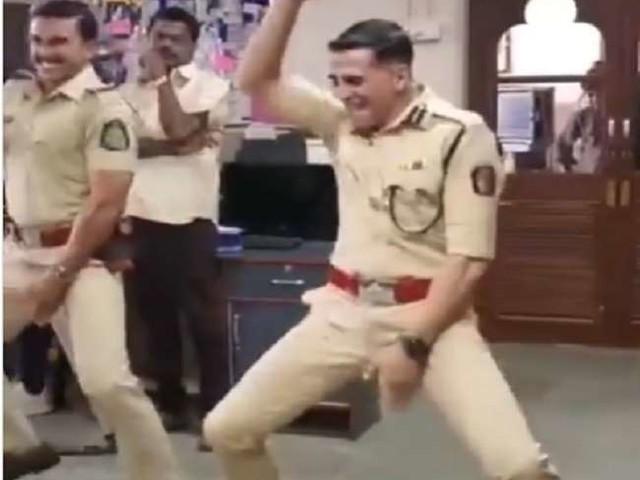 Akshay Kumar के साथ डांस करते हुए रणवीर सिंह को लगी चोट! एक्टर बोले-'खराब हो सकती है फ्यूचर प्लानिंग'