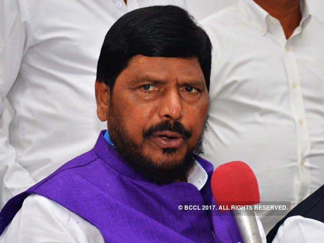 Fadnavis government will survive even if Shiv Sena pulls out: Ramdas Athawale