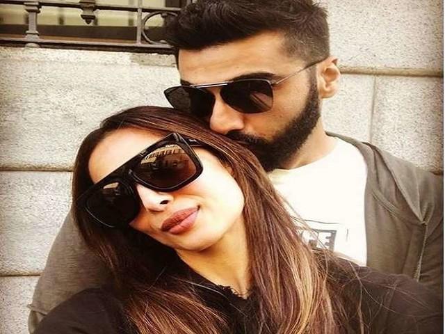 Malaika Arora बॉयफ्रेंड अर्जुन कपूर साथ आईं नजर, तस्वीरें हुईं वायरल