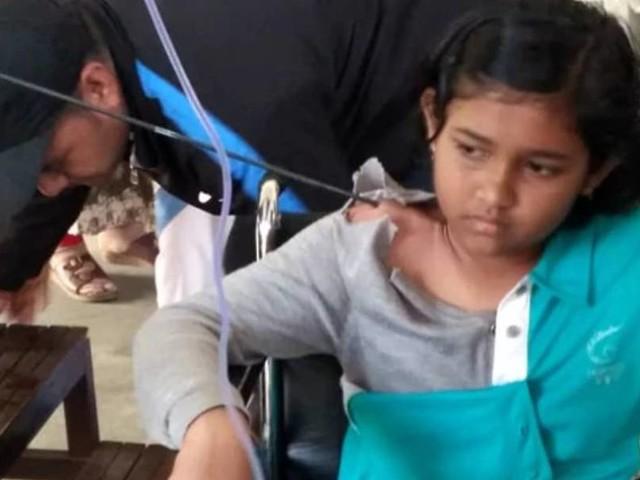 തോളില് തറച്ച അമ്പുമായി ഒരു ദിവസം; നീക്കം ചെയ്തത് 15 സെന്റീമീറ്റര് നീളമുള്ള അമ്പിന്റെ കഷണം