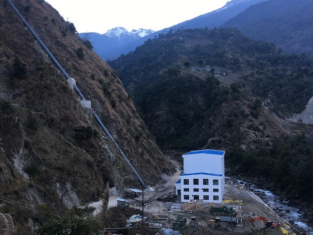 Locals, hydropower project employees clash during lockdown in Lamjung