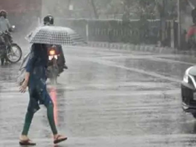 पहाड़ों में बर्फबारी व मैदानों में बारिश से बढ़ने लगी ठंड, जानें- दिल्ली-एनसीआर समेत देश के अन्य हिस्सों आज कैसा रहेगा मौसम