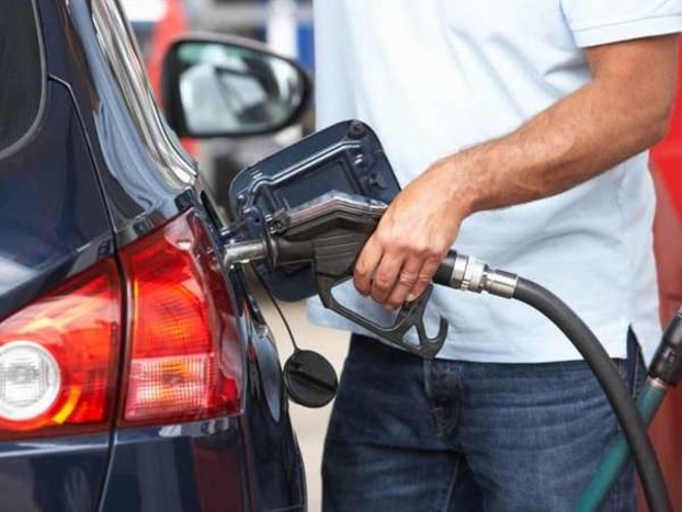 सस्ता हो जाएगा पेट्रोल-डीजल, बशर्ते अपने मंत्री की बात मान ले सरकार