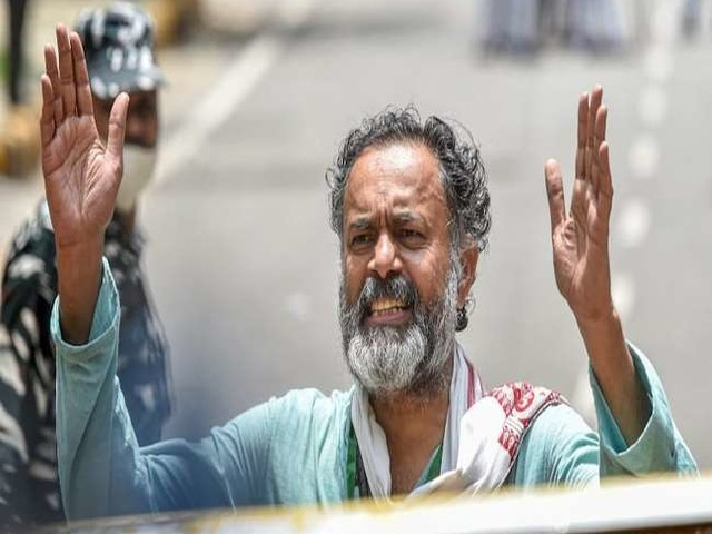 जानें- योगेंद्र यादव को संयुक्त किसान मोर्चा ने क्यों किया एक माह के लिए निलंबित
