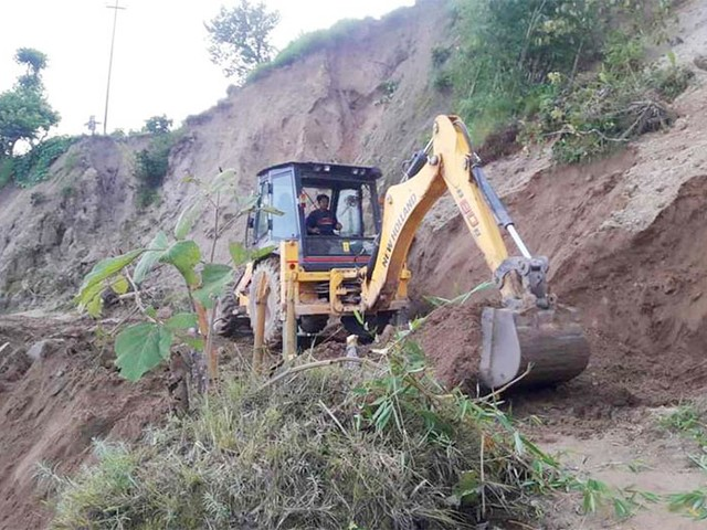 Locals hard put with landslide-damaged roads yet to come into operation