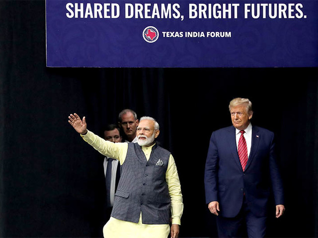 'Howdy, Modi!' – Thousands, plus Trump, rally in Texas for India's leader
