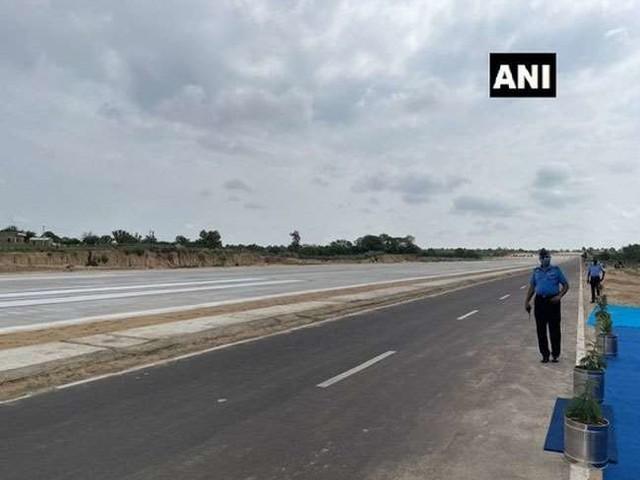 सनद रहे लोगों के लिए अच्छी, सुरक्षित और सुविधायुक्त सड़क उनका अधिकार