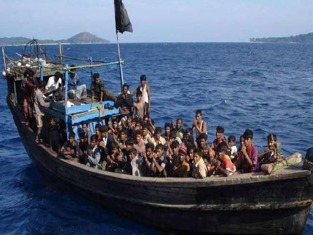 अंडमान सागर में भारतीय तटरक्षक बल को रोहिंग्या शरणार्थियों को ले जाते हुए वोट मिली, 8 लोगों की मौत