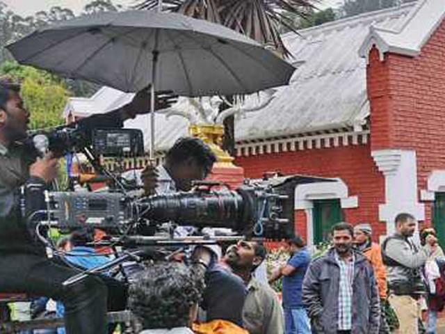 निसर्गसंपन्न जिल्ह्यात चित्रपट मालिकांच्या शूटिंगला प्रारंभ; कलाकार आनंदले