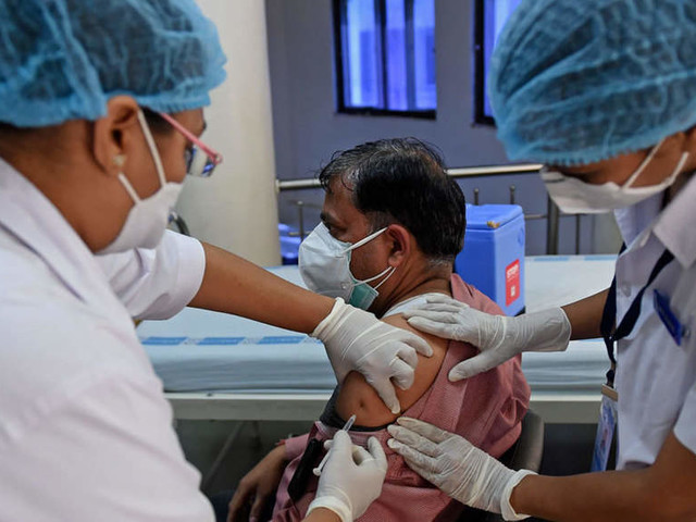 Over 17 lakh received 1st jab of anti-COVID vaccine, second dose for 3.5 lakh beneficiaries in Delhi