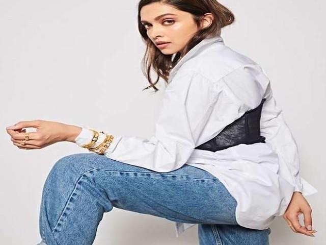 Deepika Padukone ने बचपन की अनदेखी फोटो की शेयर, जमकर हो रही हैं वायरल