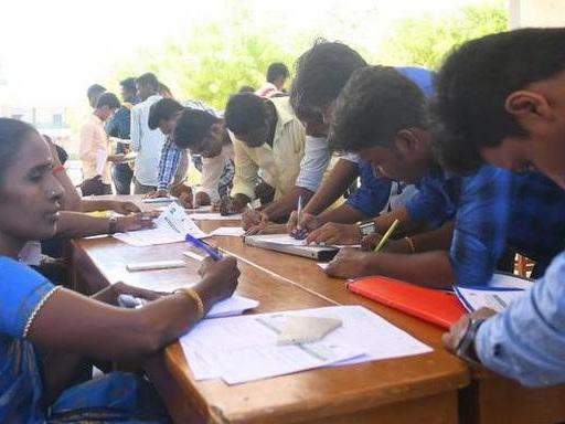 झारखंड ने निजी नौकरियों में स्थानीय लोगों की 75% हिस्सेदारी के बिल को मंजूरी दी