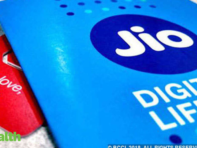 Jio offers 30-minutes free talk time to soothe customers