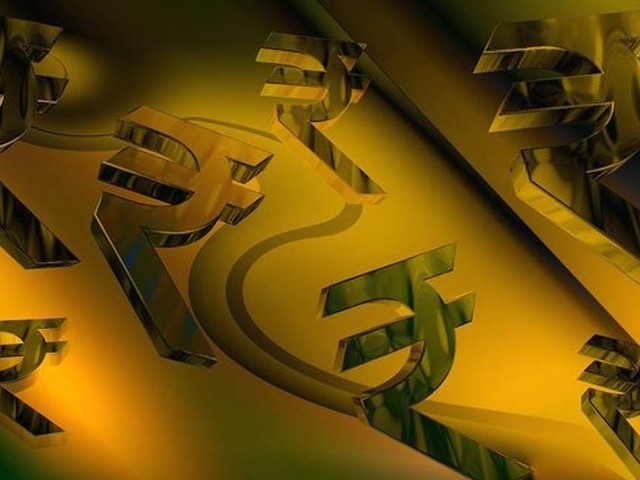Rupee inches 6 paise higher to 73.46 against US dollar in early trade
