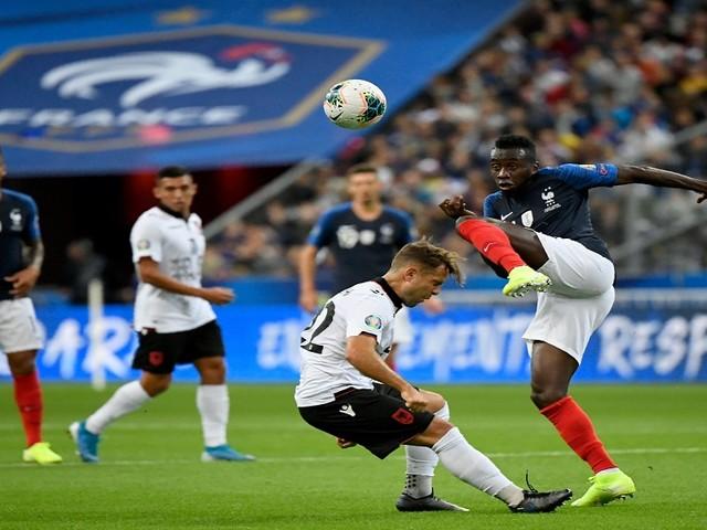 फ्रान्स, पोर्तुगालचे सफाईदार विजय