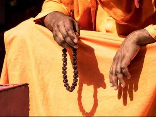 അപവാദ പ്രചാരണം: സന്യാസി സ്വന്തം ജനനേന്ദ്രിയം മുറിച്ചുമാറ്റി
