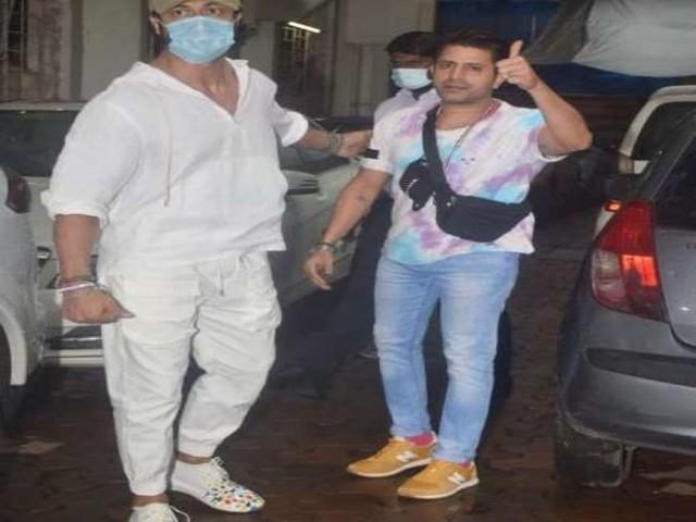 Vidyut Jammwal ने शुरू की फिल्म 'खुदा हाफिज 2' की तैयारियां, एक्शन रिहर्सल के लिए जाते वक्त हुए स्पॉट