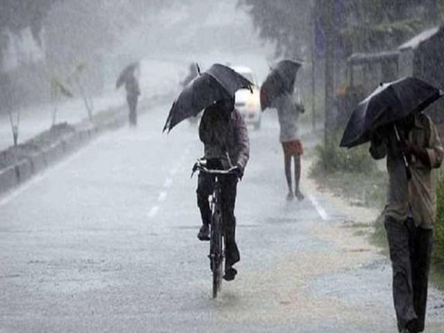 Weather Updates: दिल्ली, यूपी और हरियाणा समेत देश के इन हिस्सों में बारिश का अलर्ट, चक्रवात तूफान का भी दिखेगा असर