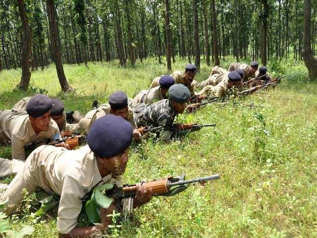 छत्तीसगढ़ : सुकमा जिले में सुरक्षा बलों और नक्सलियों के बीच मुठभेड