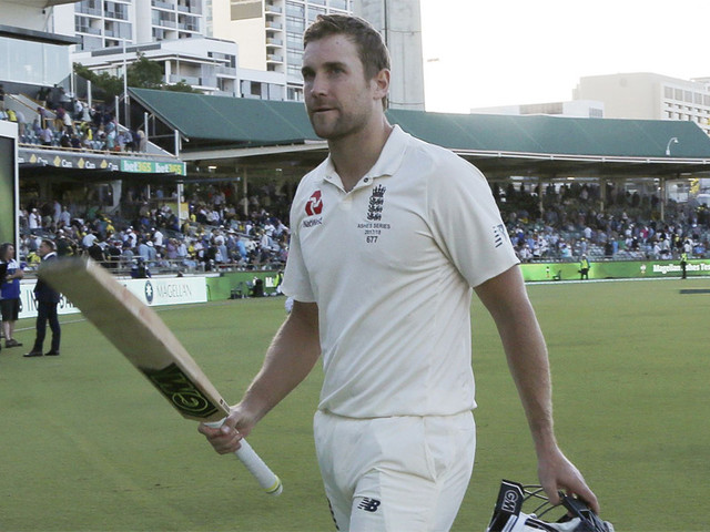 Dawid Malan urges England to capitalise in Perth Test