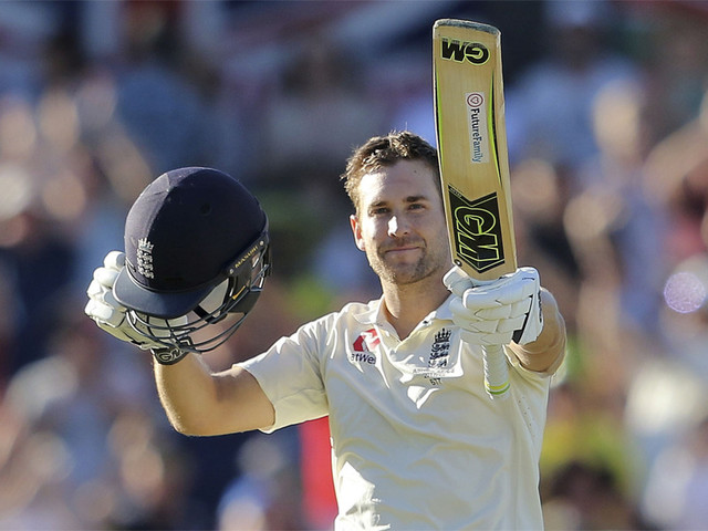 Dawid Malan's maiden Test century lifts England in Perth