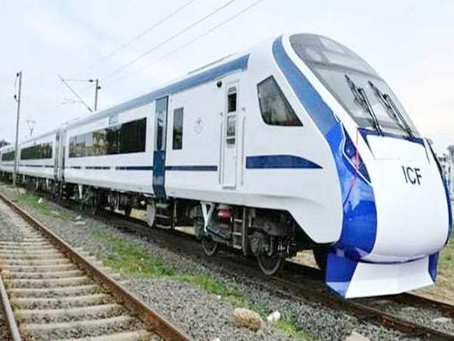 Train 18: इन खामियों से सबसे तेज ट्रेन के संचालन में हो रही देरी, अब किए जा रहे हैं ये सुधार