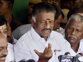 Panneerselvam dissolves panel formed for merger of AIADMK factions