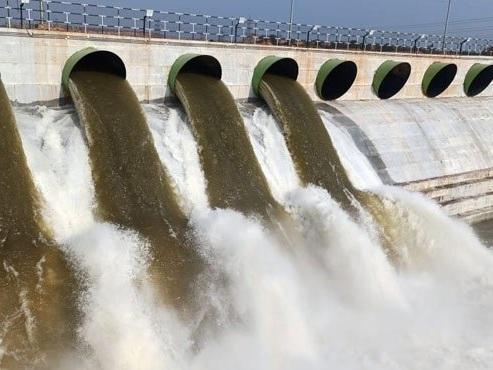 KLIS officials lift 10.5 TMC water from Godavari River