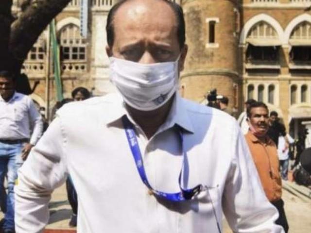 मनसुख को हटाने के लिए वाझे ने प्रदीप शर्मा को दिया था नोटों के बंडलों से भरा बैग, एनआइए की चार्जशीट में आरोप