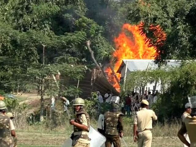 Assam clashes: 2 dead, 9 policemen injured in Dholpur village