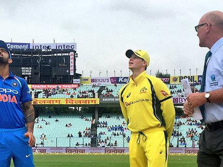 LIVE IND-AUS वनडे: ऑस्ट्रेलिया ने जीता टॉस, पहले बैटिंग का फैसला