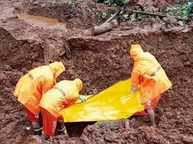 देश के कई हिस्सों में भारी बारिश से तबाही, महाराष्ट्र में 113 की मौत 100 लापता, कर्नाटक में निकाले गए 31,360 लोग