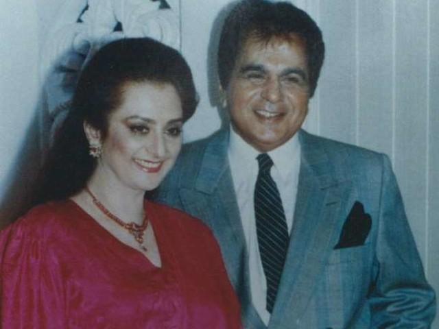 दिलीप कुमार के निधन के बाद सायरा बानों ने लिखा इमोशनल लेटर, बोलीं - 'मेरी शादी दिलीप साहब के एक...'