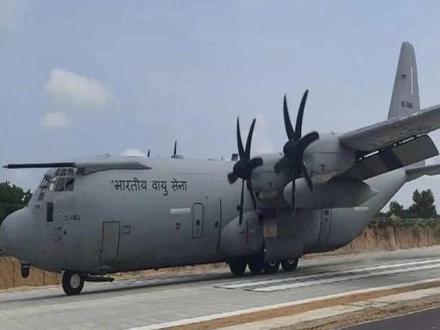 मोदी सरकार देशभर में तैयार कर रही 28 दमदार हाईवे, वायुसेना के लिए करेंगे रनवे का काम