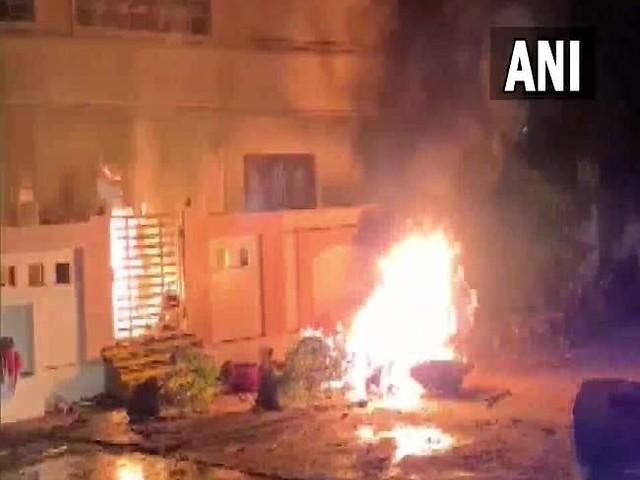 आंध्र प्रदेश : गणपति विसर्जन जुलूस के दौरान टीडीपी और YSRCP कार्यकर्ताओं के बीच झड़प, सात घायल