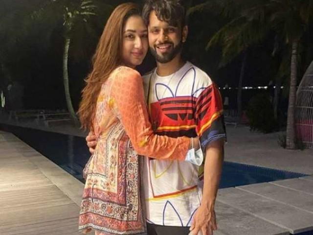 राहुल वैद्य के साथ शादी के बाद ट्रोल हुई थीं दिशा परमार, लोगों के 'फेक' बुलाने पर दिया करारा जवाब
