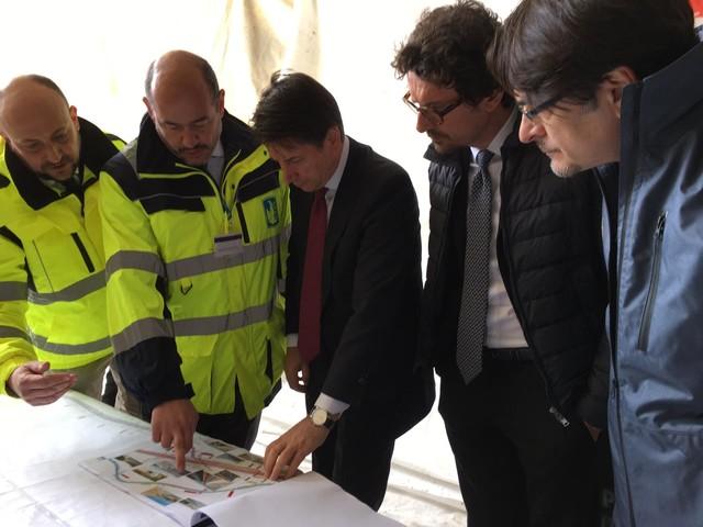 """Conte e il """"tour"""" delle opere: ecco la statale Agrigento-Caltanissetta"""