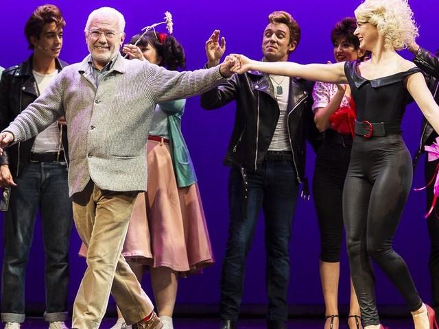 """Grande successo per il debutto di """"Grease"""" al Teatro Vaccaj di Tolentino"""