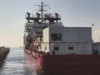 176 migranti arrivati a Taranto con la Ocean Viking. Altri 172 a Lampedusa soccorsi da motovedette