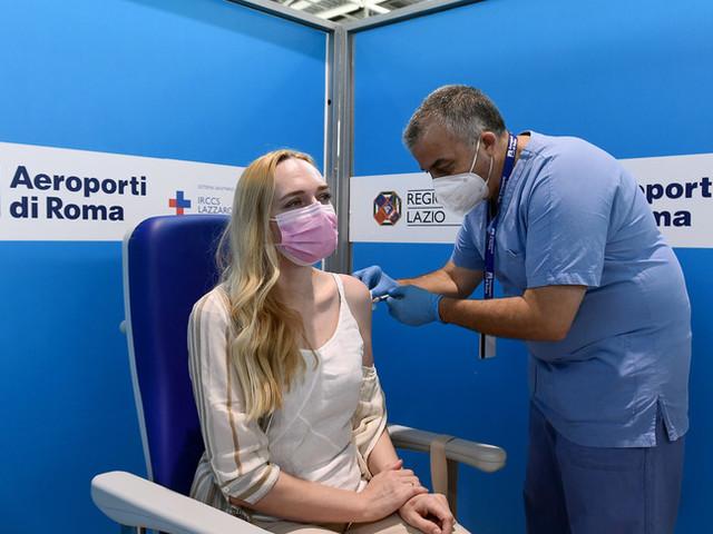La terza dose di vaccino anti Covid-19 è stata somministrata a 6.803 persone