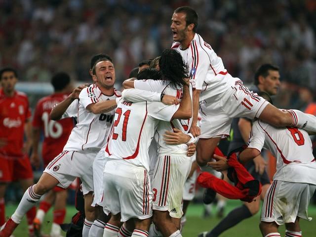 Liverpool Legends e Milan Glorie si sfidano ad Anfield: il match su DAZN