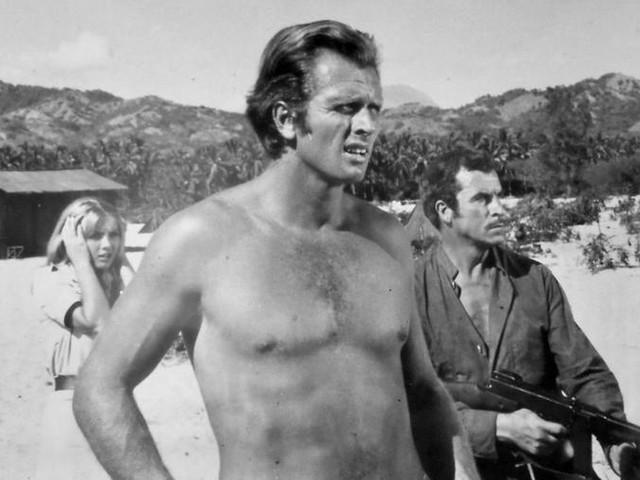 """California, la moglie dell'attore che interpretò """"Tarzan"""" uccisa a coltellata dal figlio"""